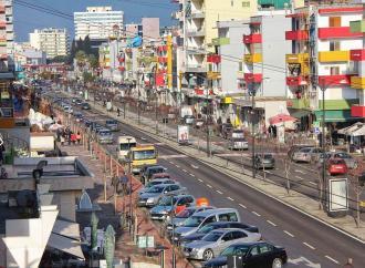 Ανοίγει σιγά, σιγά και η Αλβανία