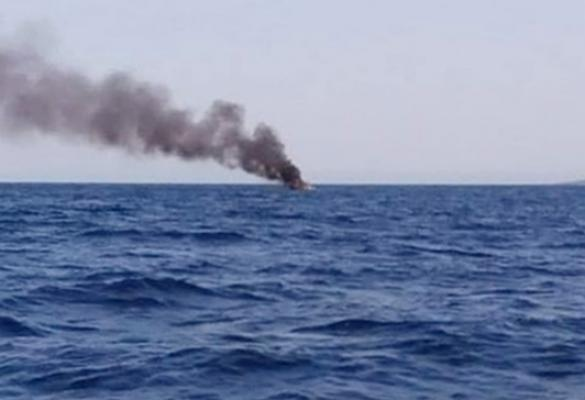 Tourist boat catches fire and sinks near Paxos
