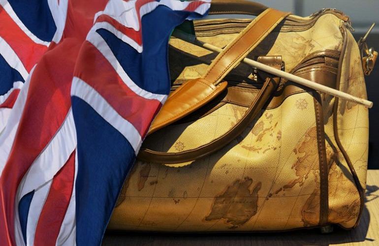 Πληρώνουν «χρυσό» το εισιτήριο της επιστροφής τους οι Βρετανοί - ENIMEROSI  On Line