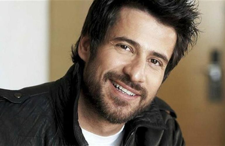 The Durrells Actor Alexis Georgoulis All Corfiots Are Very Into Music Enimerosi On Line But what made him such a star in his native homeland and which other actors have played the coveted role? the durrells actor alexis georgoulis